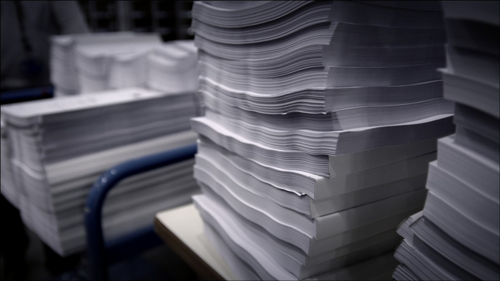 Paper, the types, sizes, thickness and finish; it can all become a little complicated, This go to guide will help you to choose the paper fit for the job ...