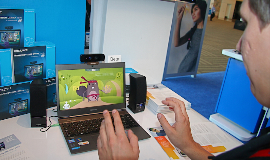 man 3d gesture recognition with laptop